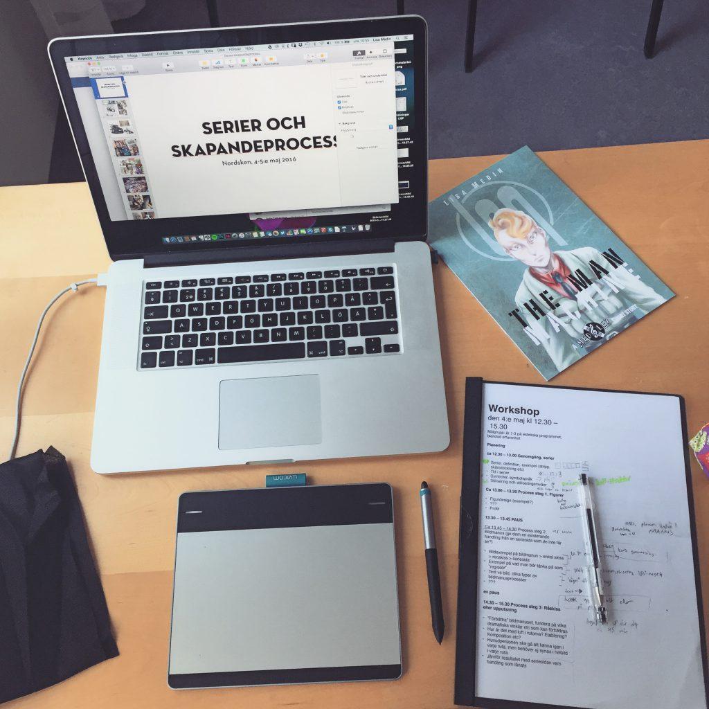 Dator, ritplatta och anteckningar